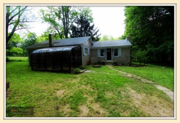 This ranch style single family home for sale in New Milford CT might be the home you are looking for!