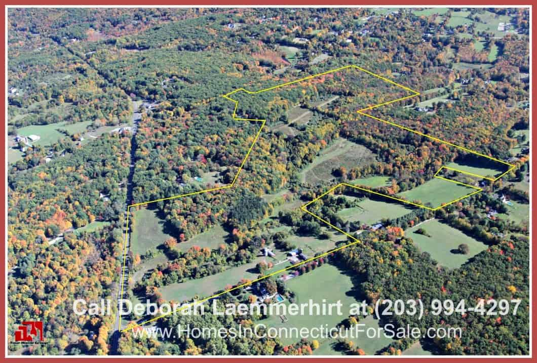 Live conveniently in this CT luxury equestrian property where you can be minutes away from major routes.